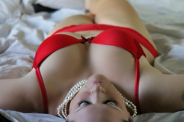 Červené spodní prádlo