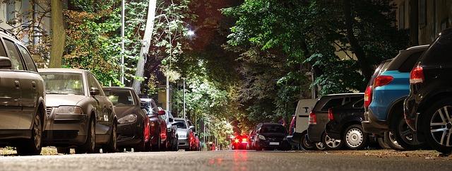 ulice plná aut